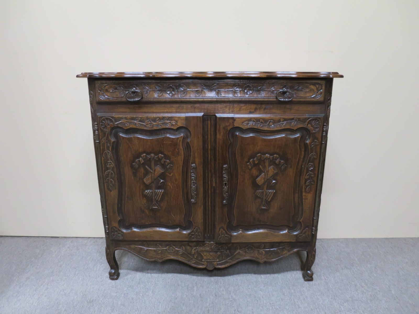 oak side cabinets